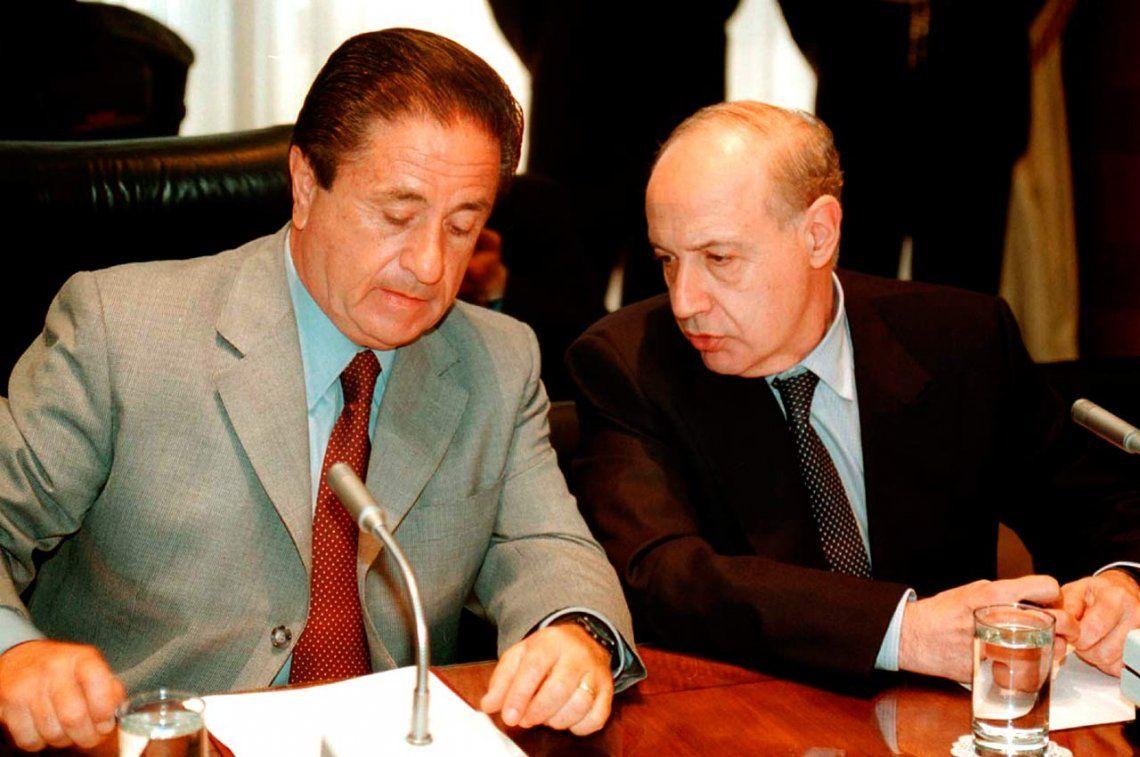 Eduardo Duhalde y Roberto Lavagna en 2002