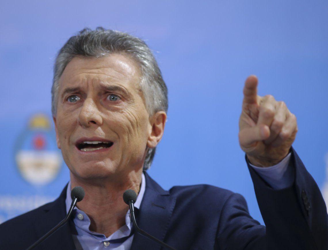 Mauricio Macri congeló por decreto el ingreso de personal al Estado Nacional