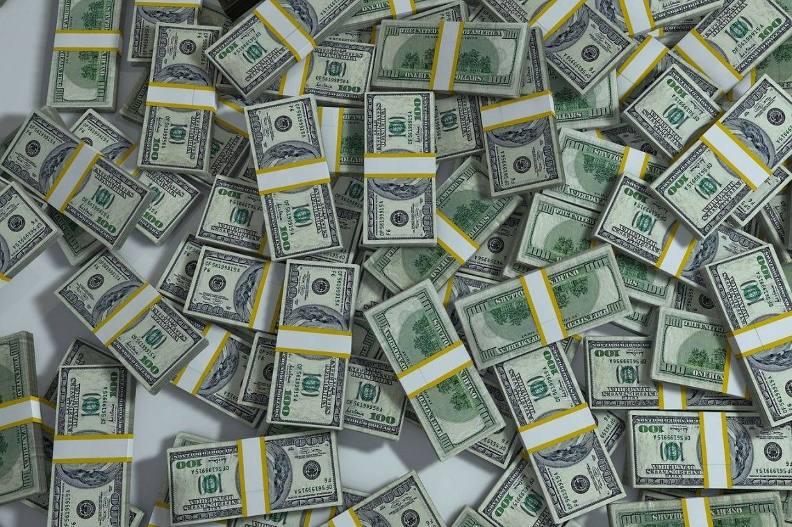 El dólar sigue en alza: cerró a $38,71