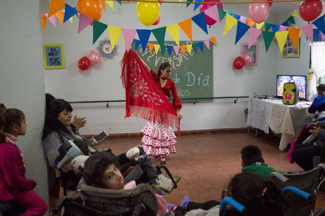 Festejo por los 25 años de Centro de Día municipal