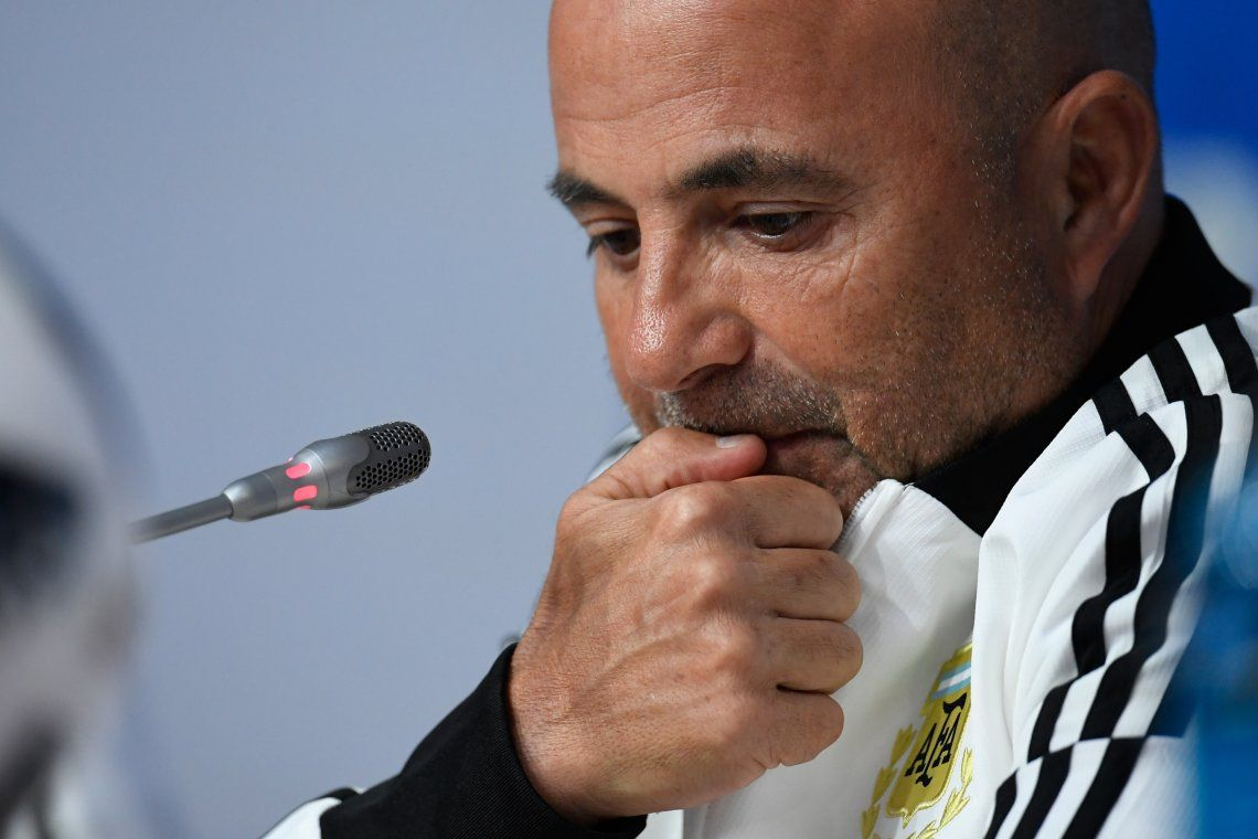 Sampaoli rompió el silencio: habló de Messi, del doble comando y el sufrimiento del Mundial