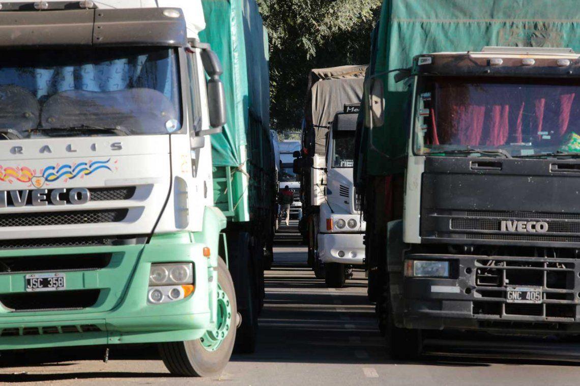 Oficial: Camioneros acordó un aumento del 23%  en las paritarias