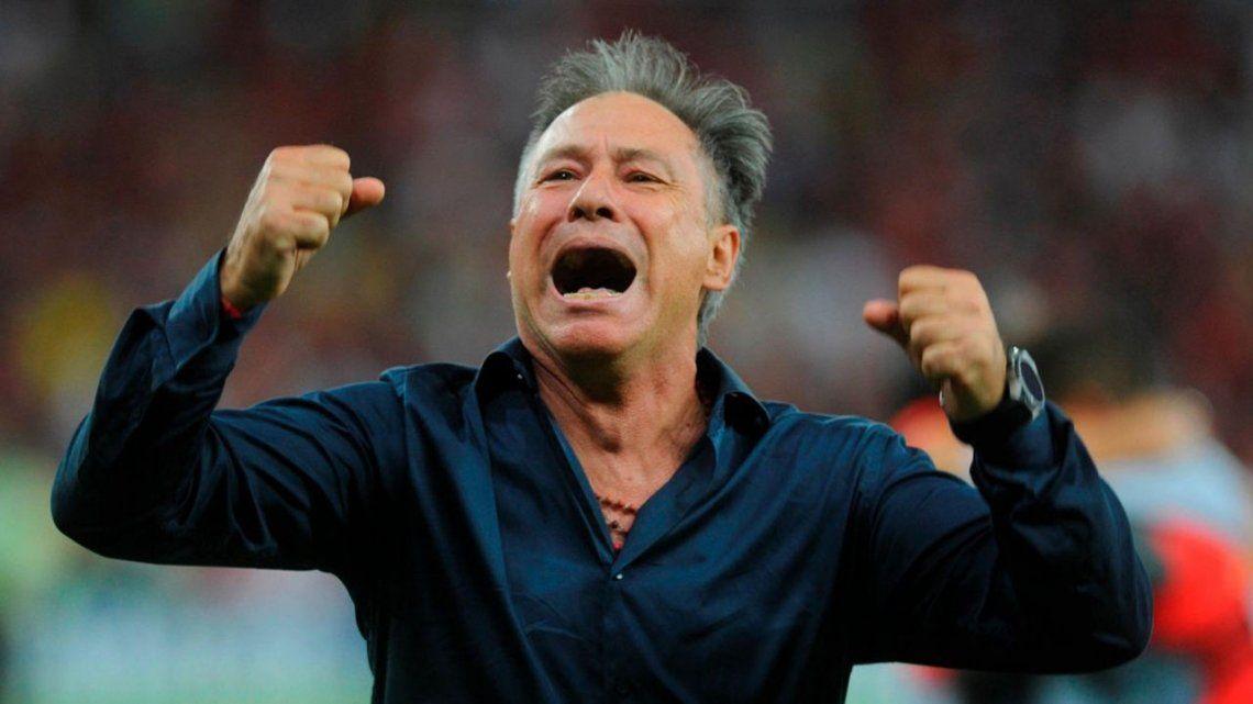 Holan: Al único equipo que dirigiría en Argentina es a Independiente