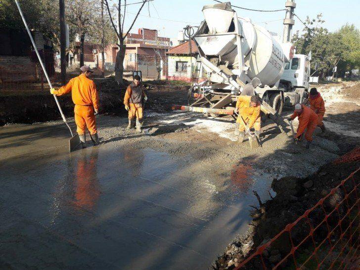 Realizan obras de pavimentación en San Martín