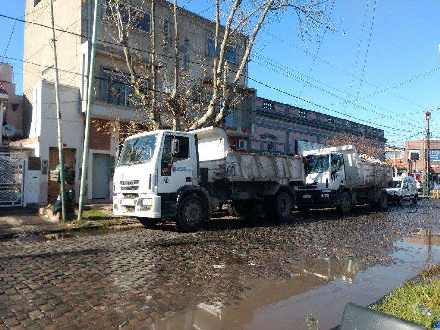 Detectan camiones de Lomas de Zamora trabajando en una obra privada