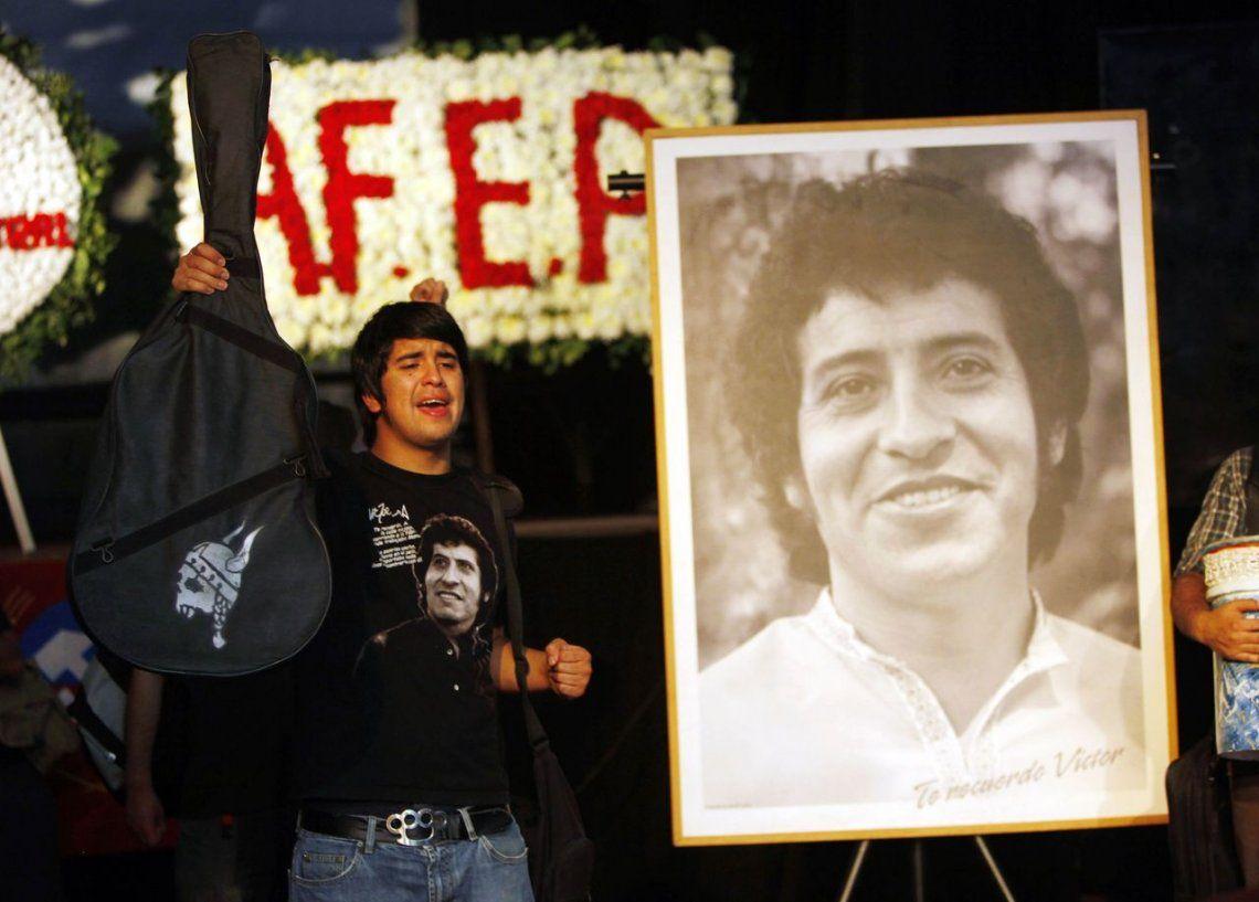 Condenan a nueve ex militares por el crimen de Víctor Jara