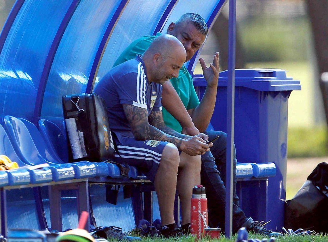 Sampaoli sigue como DT de Argentina sin respaldo dirigencial