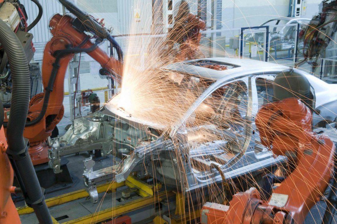 Cayó la producción y venta de autos en el mes de junio