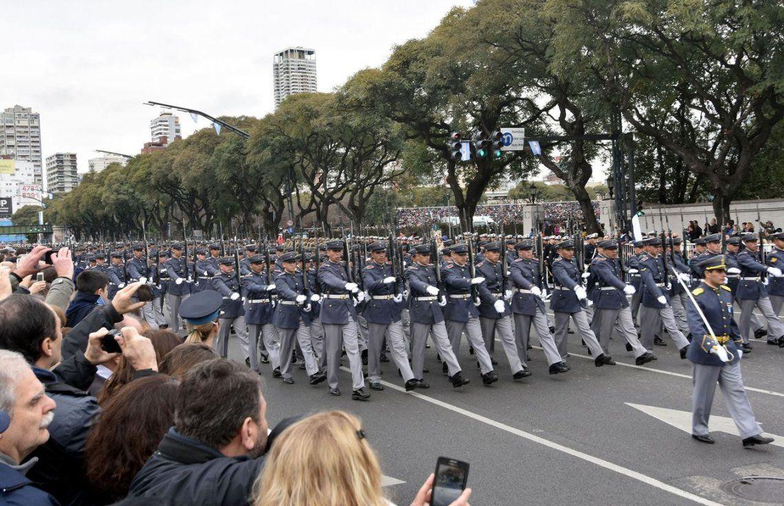 Suspendieron el desfile militar del 9 de julio por conflicto con salarios en las FFAA