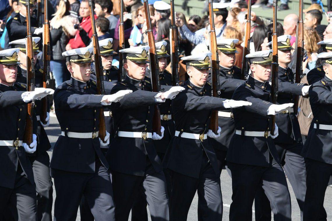 El Gobierno les dará un nuevo aumento a los militares