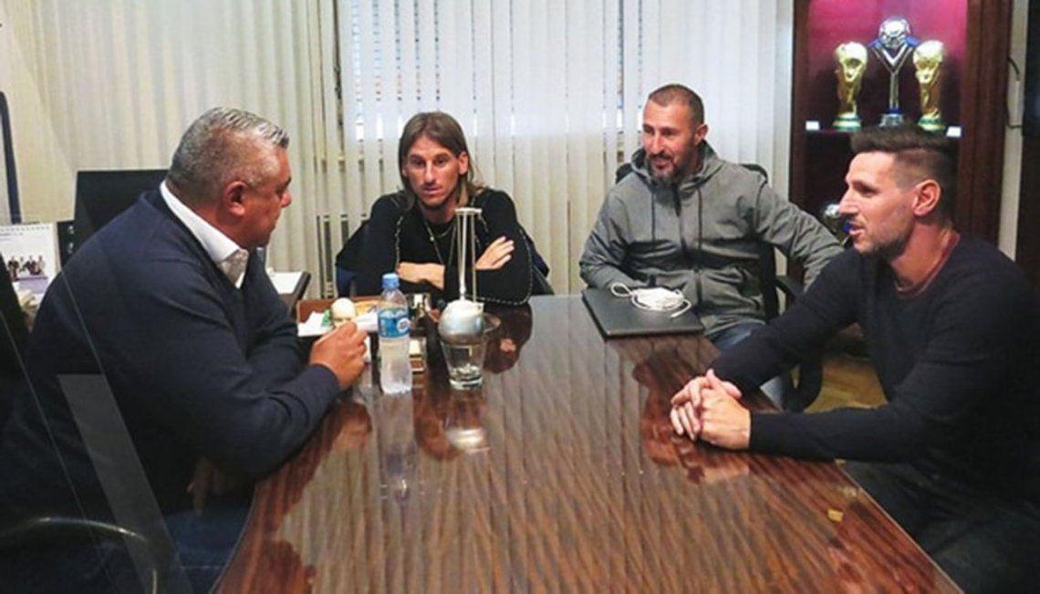 Sampaoli, cada día más solo: tres de sus ayudantes rescindieron sus contratos