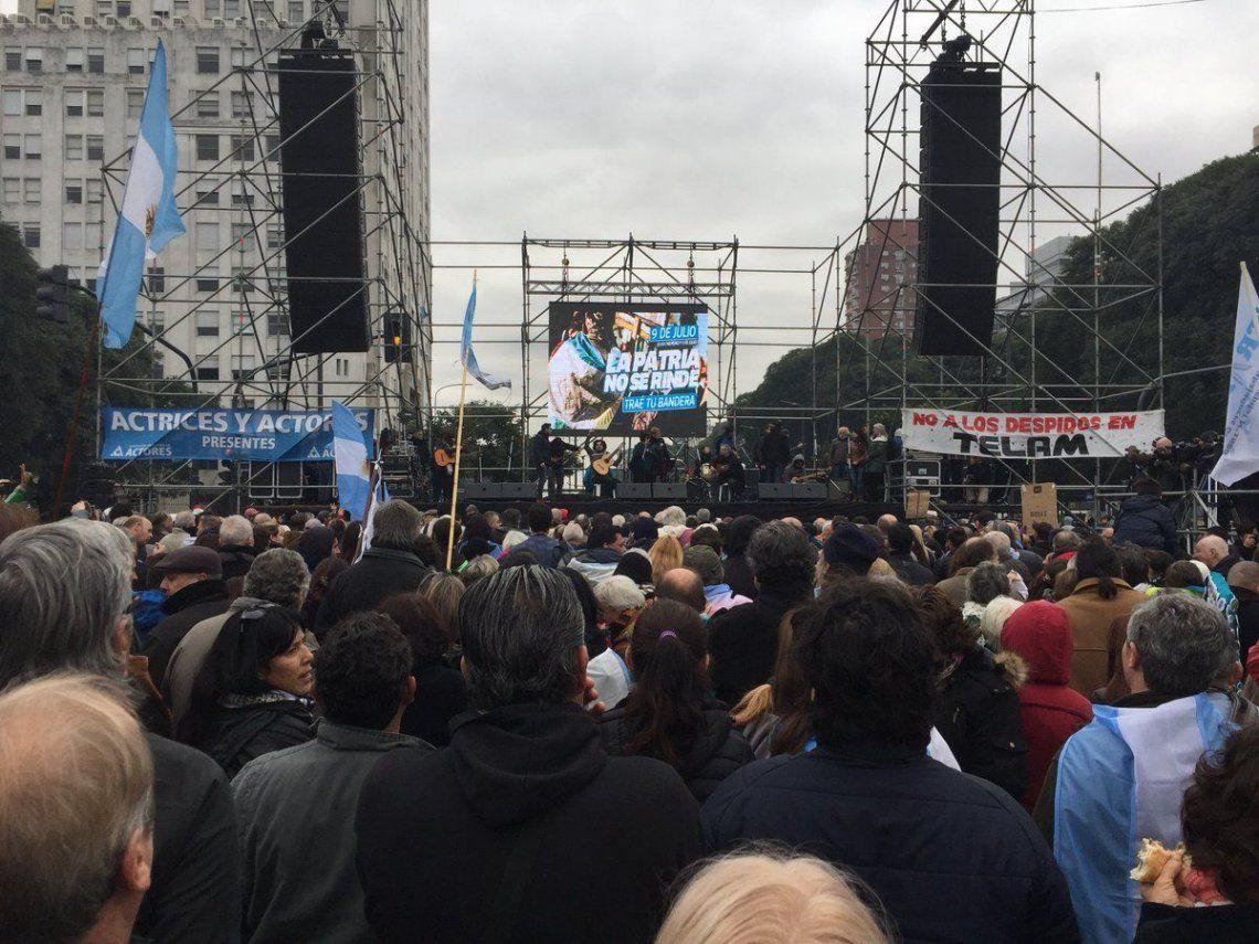 La oposición marchó al Obelisco contra las políticas del Gobierno