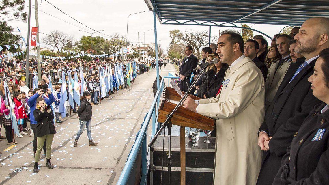 Tagliaferro compartió con cientos de vecinos los festejos por el 9 de julio