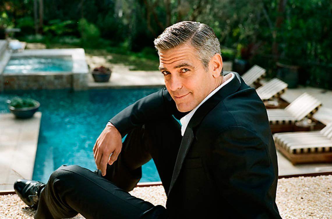 George Clooney chocó mientras viajaba en moto en Italia