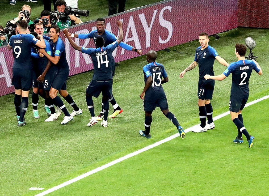 Francia derrotó a Bélgica en un apasionante partido y jugará la final del Mundial