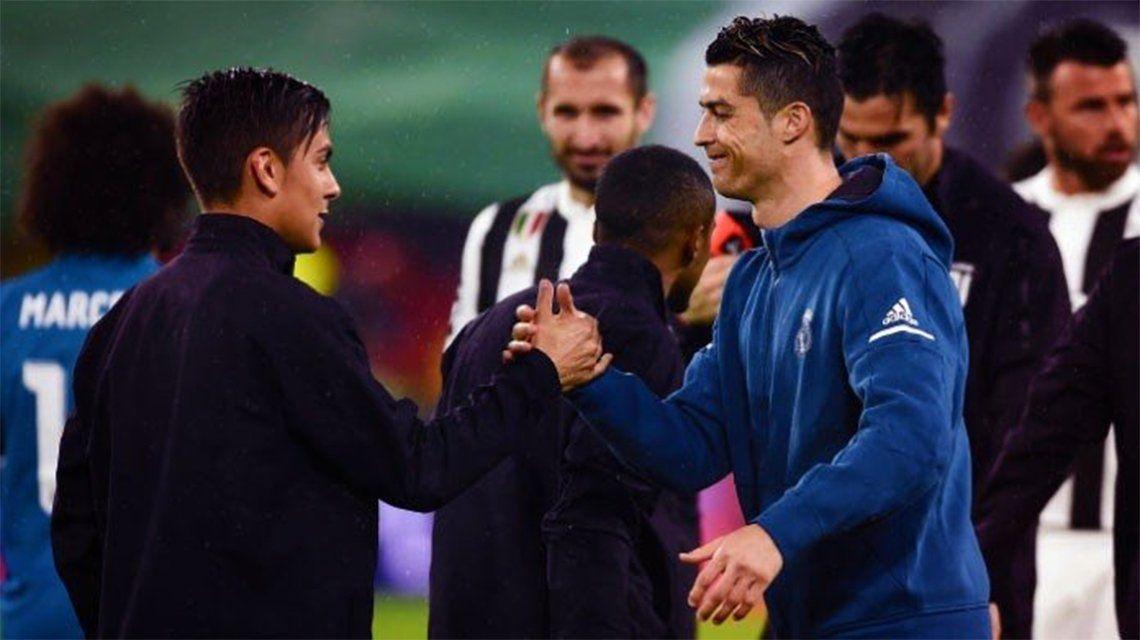 Dybala, Del Piero y Douglas Costa le dieron la bienvenida a CR7 a la Juve