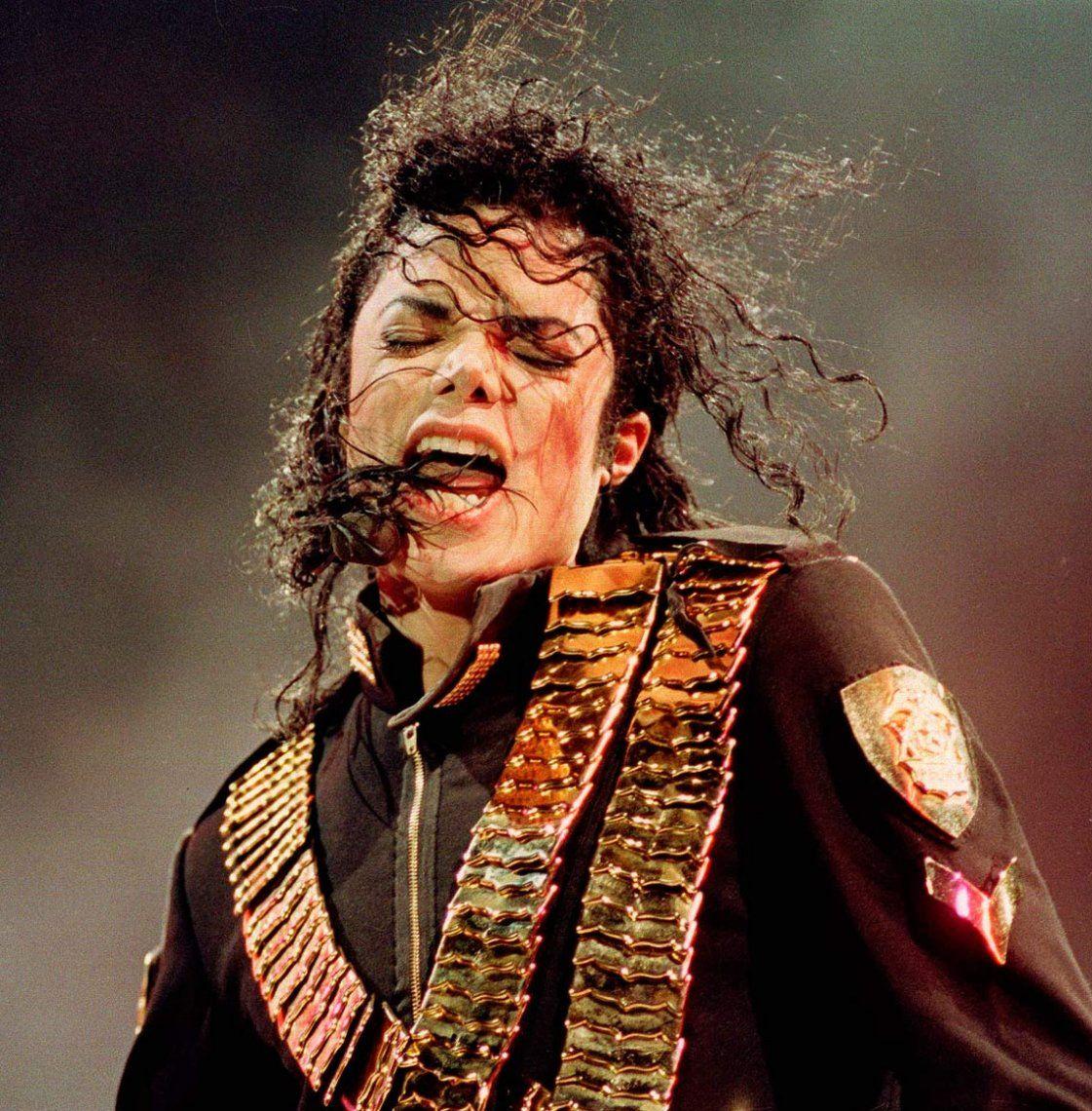 El médico de Michael Jackson afirmó que su padre lo castró químicamente