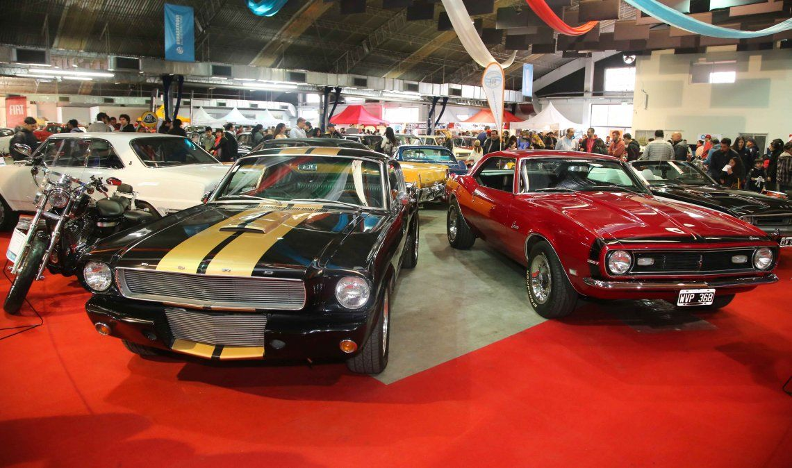 Autos clásicos y antiguos en una muestra gratuita en Berazategui