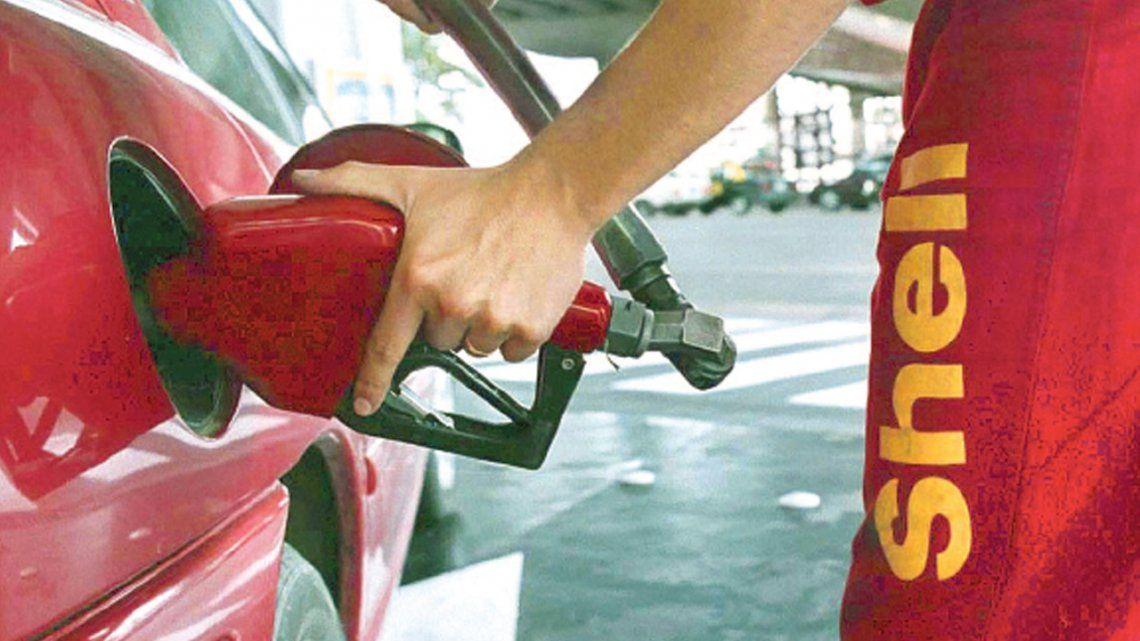 Axion y Petrobras subieron el valor de sus combustibles