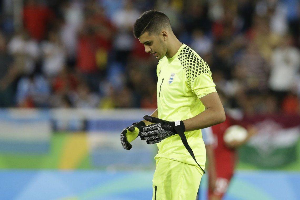 Otro paso atrás para Boca: Rulli se queda en España