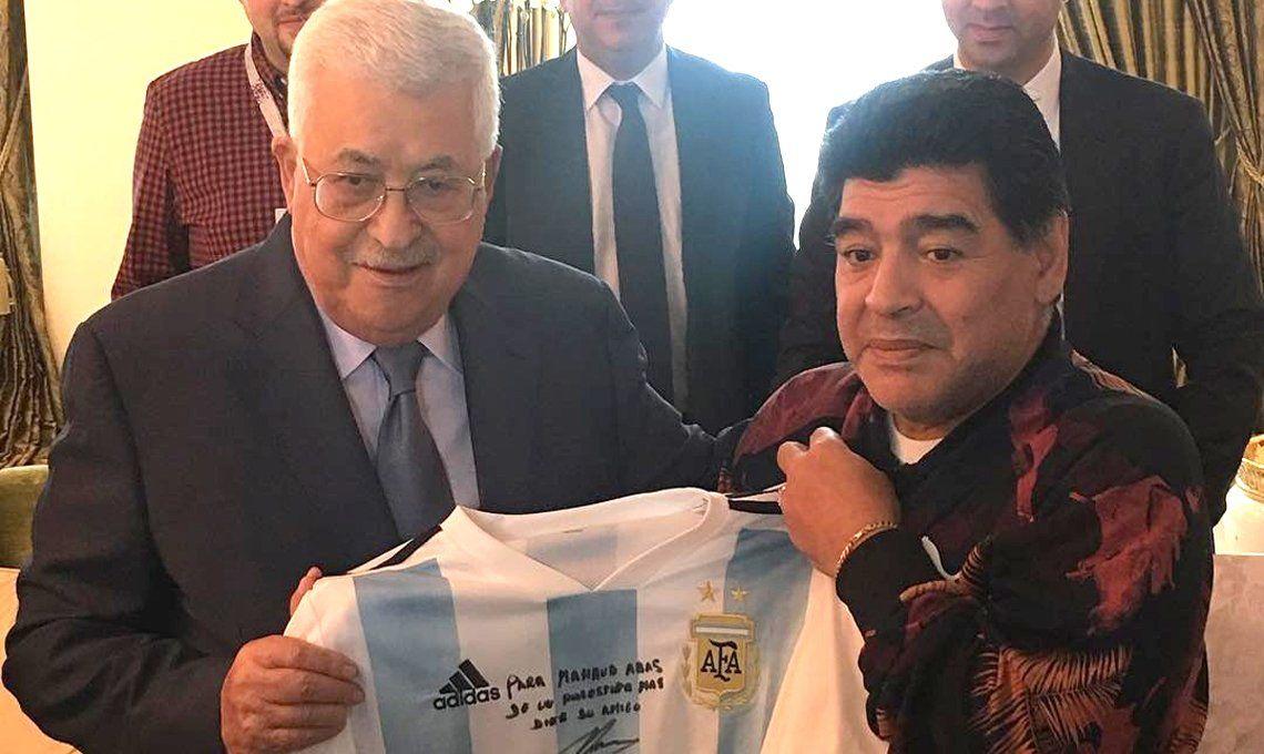 Maradona estará en la final y en la previa se reunió con el presidente de  Palestina | Rusia 2018, Diego Maradona, FIFA, Gianni Infantino, Palestina,  Matías Morla