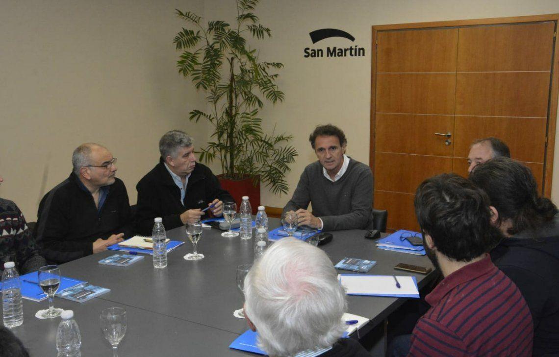 Katopodis se mostró preocupado por la paralización de obras públicas