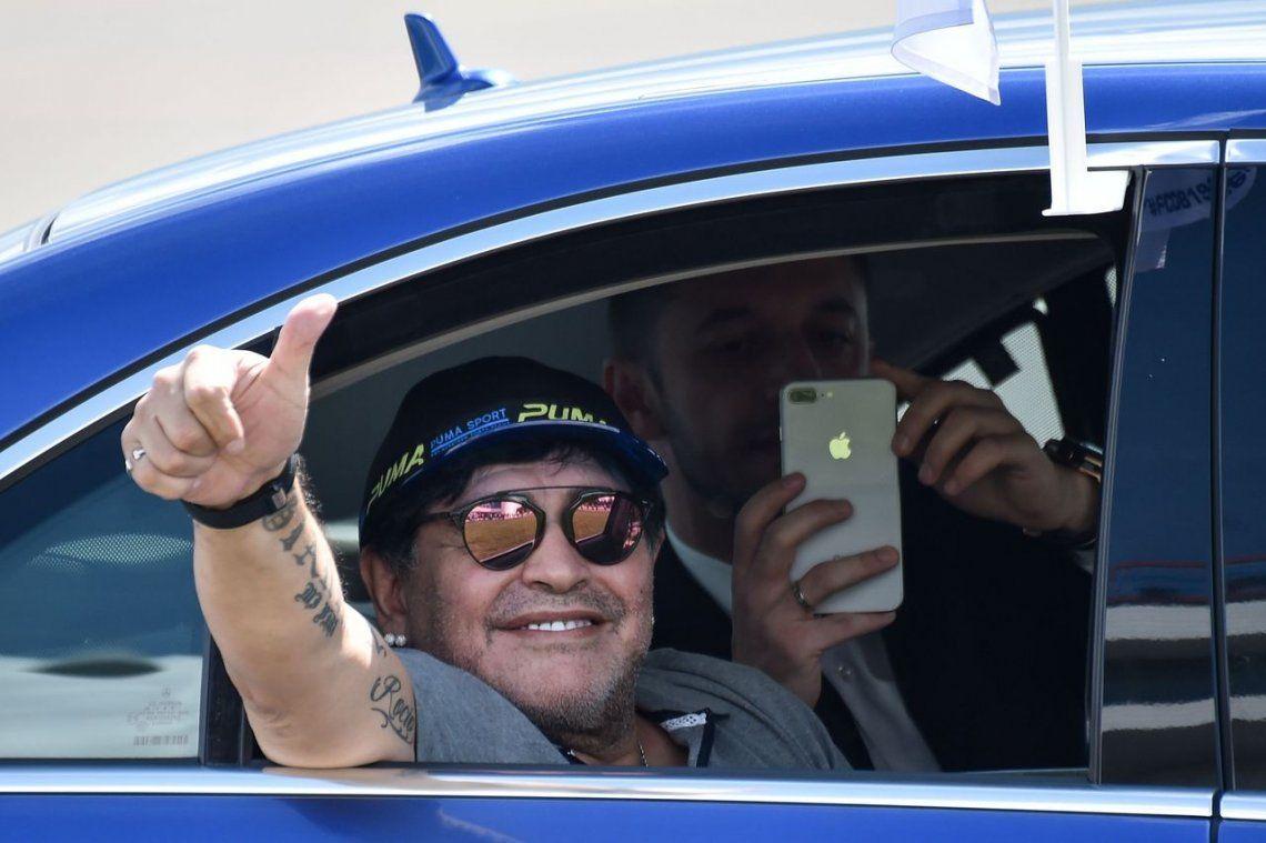 Ya es oficial: Maradona dirigirá a Dorados de Sinaloa en México