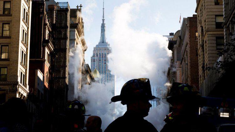 Las fotos del géiser gigante en Manhattan