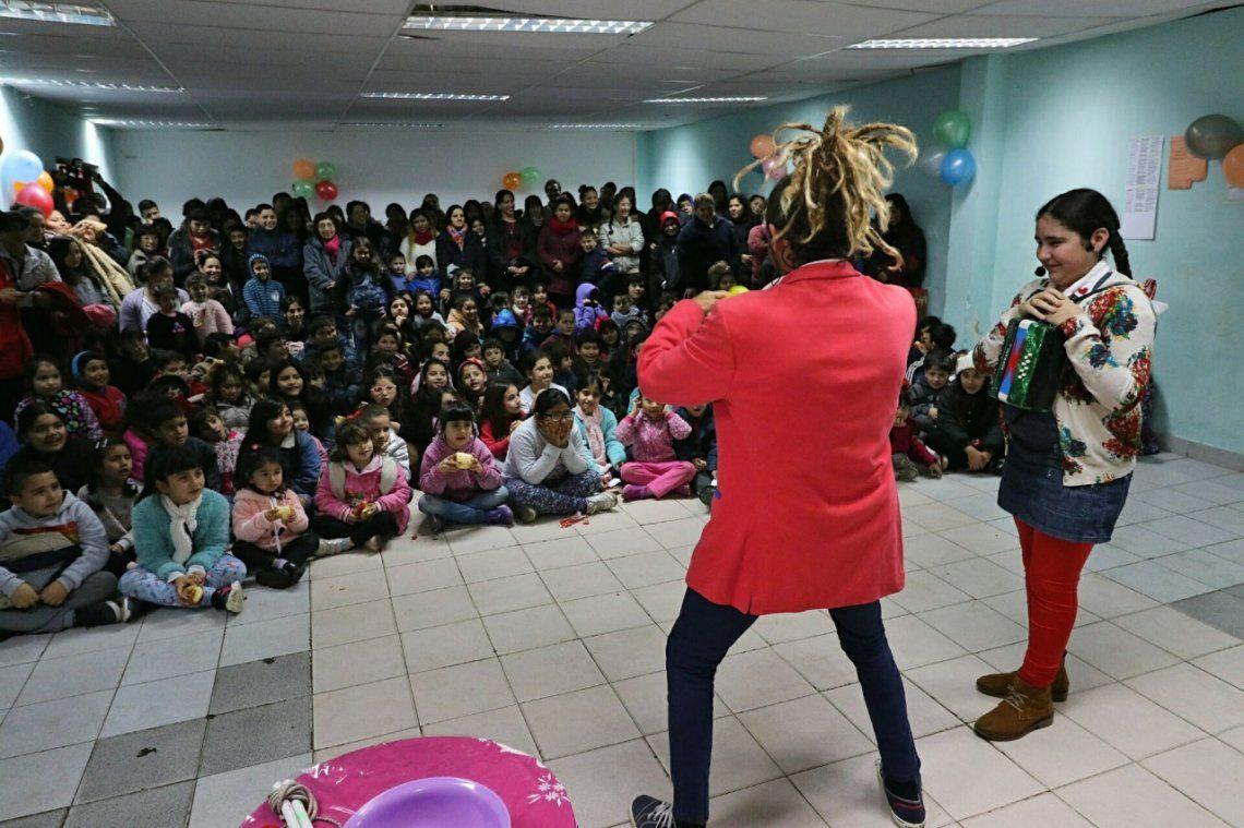 Miles de vecinos disfrutan las vacaciones de invierno en Morón