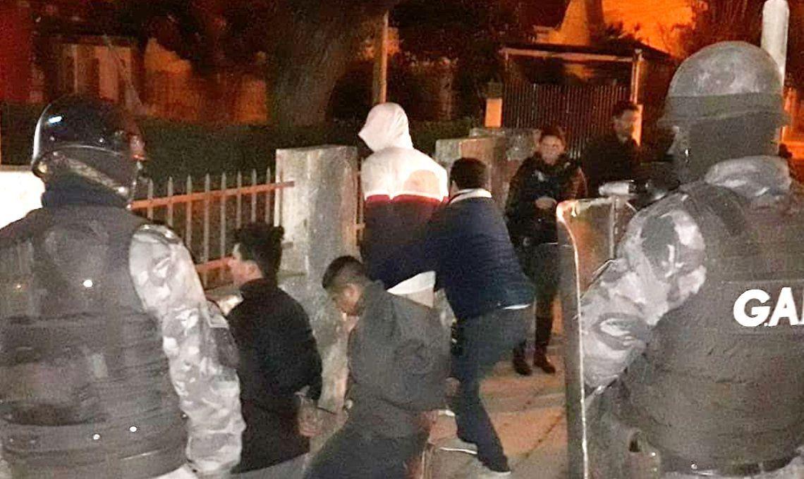 Video | Quilmes: arrestaron a una pareja por violar y matar a su bebé