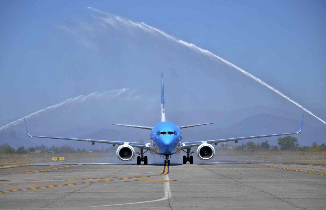 Vuelan por separado: Aerolíneas tendrá viajes exclusivos para hinchas de Boca y River