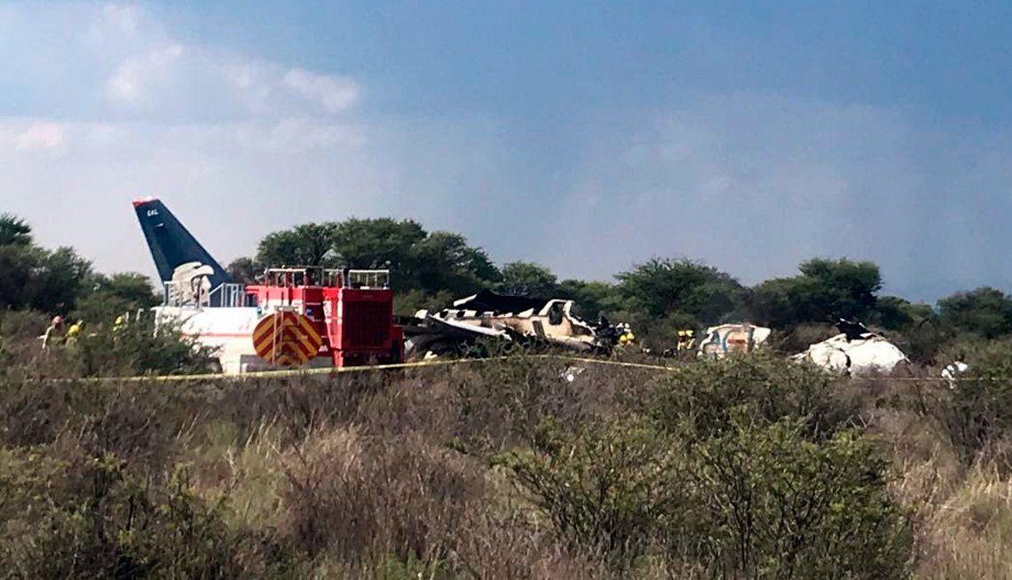 Un avión con cerca de 100 personas a bordo se accidentó al despegar en México