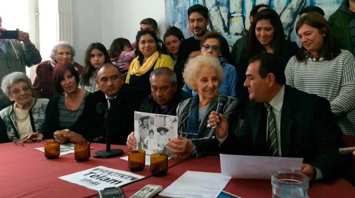 Abuelas de Plaza de Mayo encontró a la nieta 129 y ella podrá conocer a su padre y hermanos
