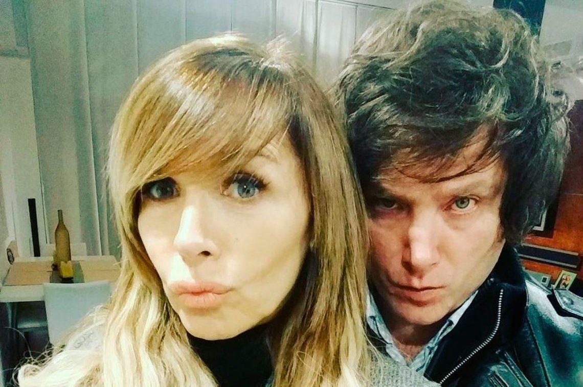 Probó el café y la endulzó: Javier Milei, de novio con la cantante Daniela