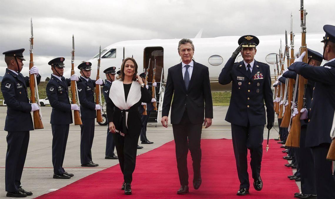 Macri llegó a Colombia para la jura de Duque en medio de un terremoto