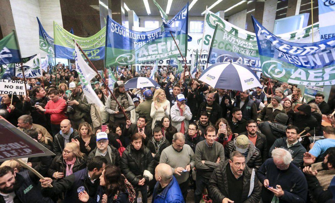 AFIP recortó adicionales y hubo protestas en todo el país