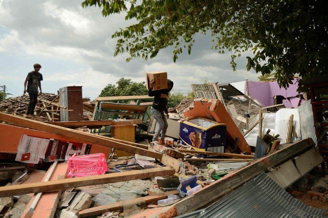 Nuevo sismo en Indonesia: muertos ascienden a 319