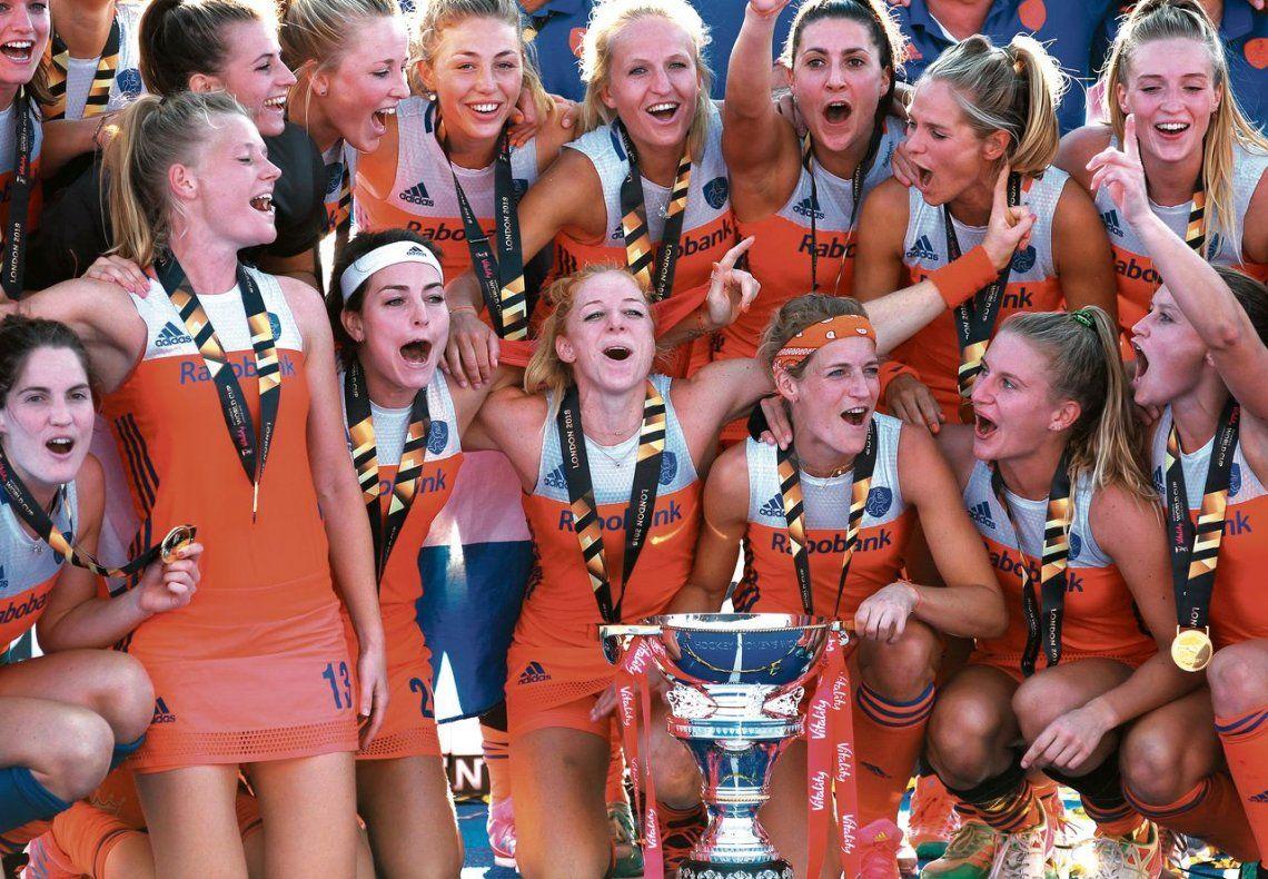 Las chicas de Holanda a puro festejo. ¡Campeonas!