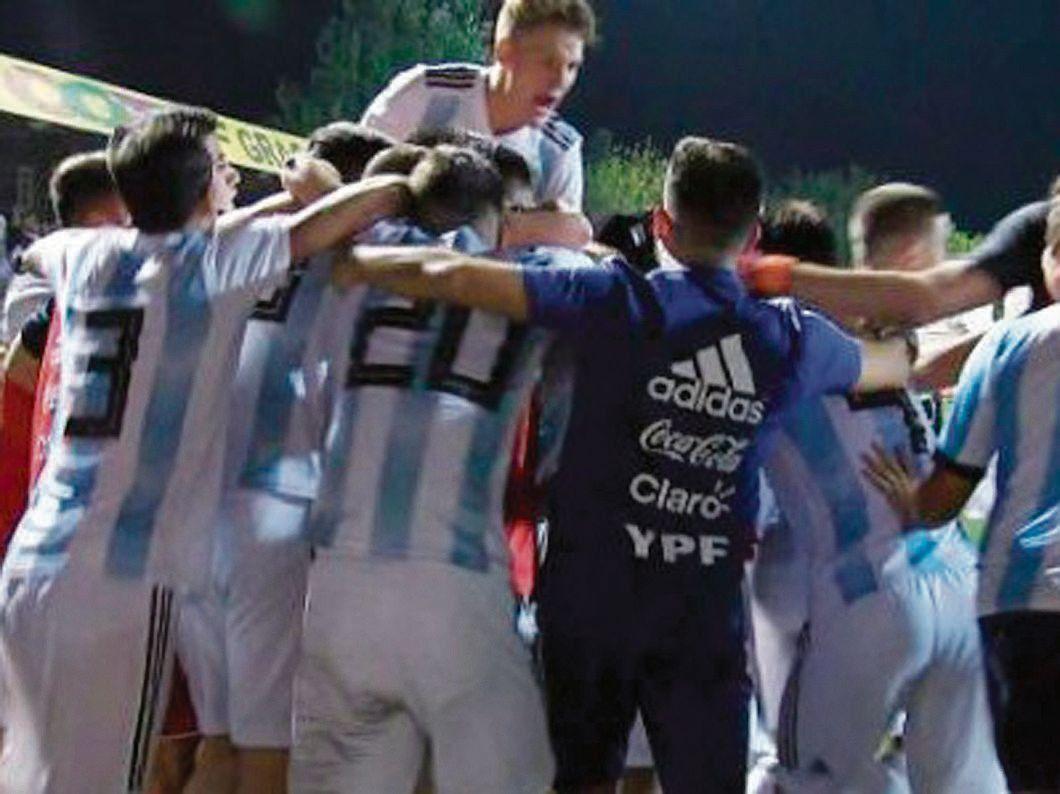 El festejo de los pibes argentinos