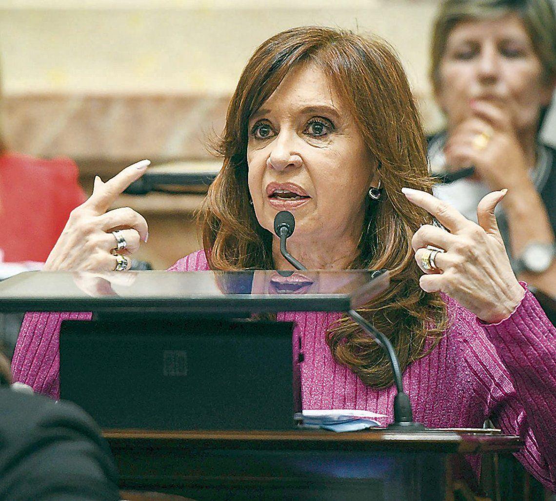 dDeciden si allanan domicilios y oficinas de Cristina.