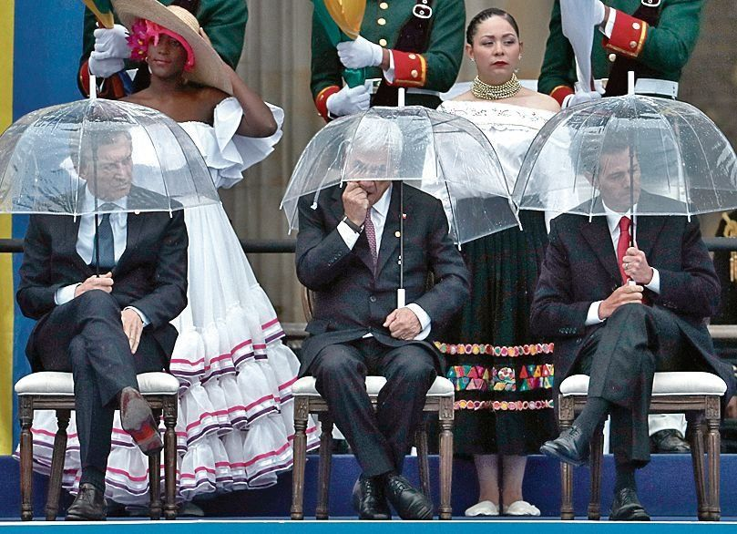 dAntes y después de la lluvia. Macri