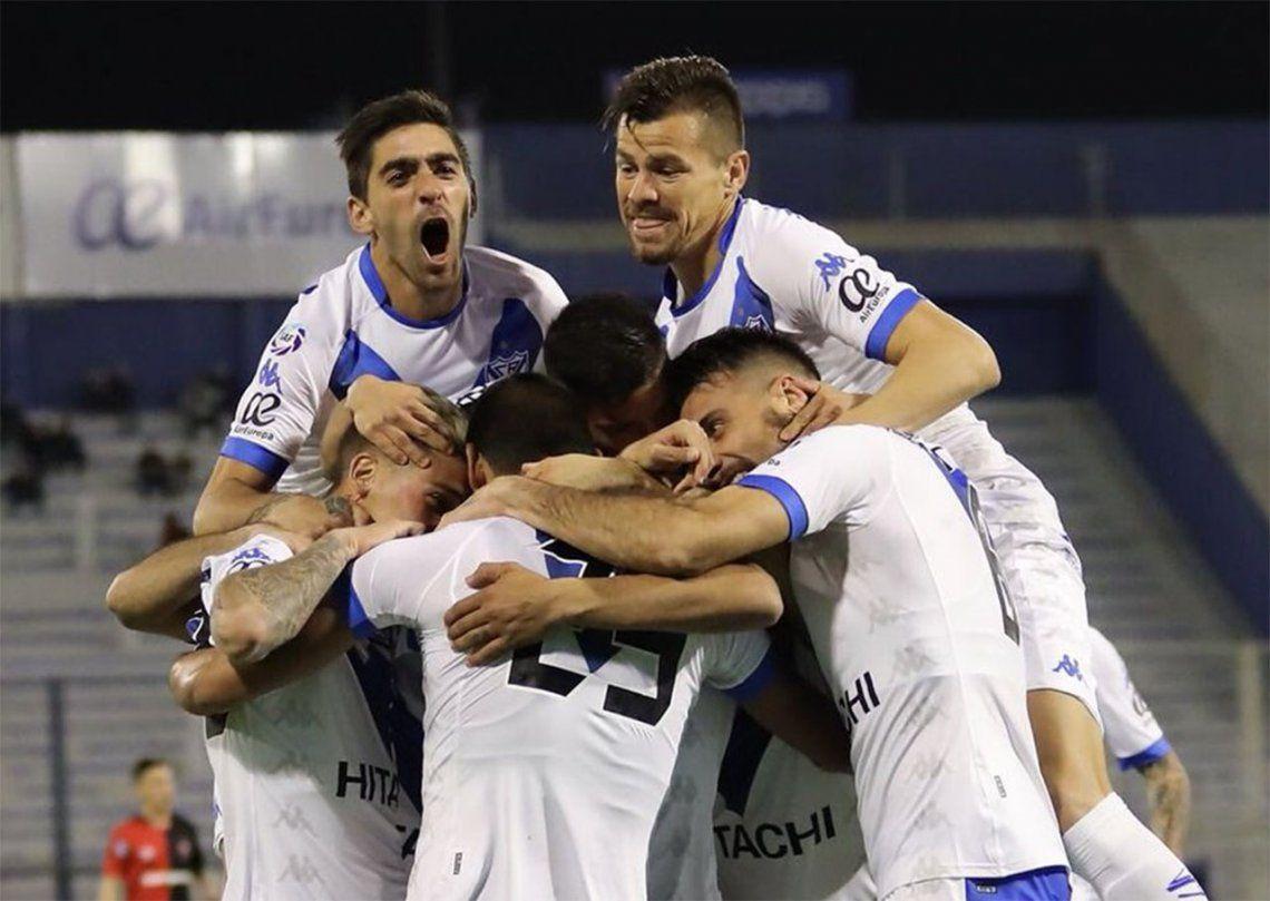 Vélez comenzó el torneo con un claro triunfo ante Newells