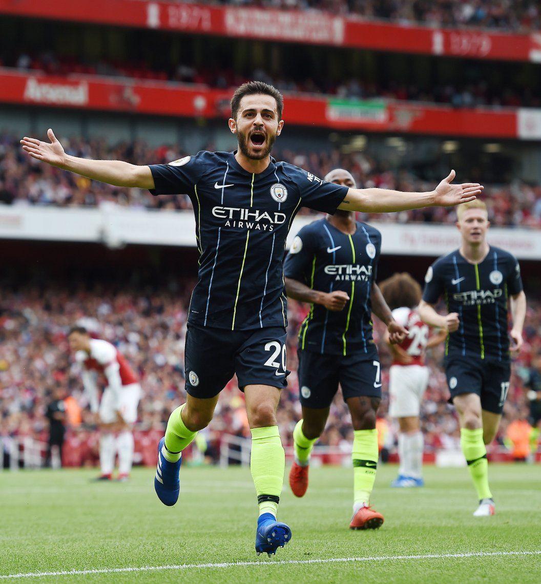 Manchester City y Liverpool arrancaron con todo