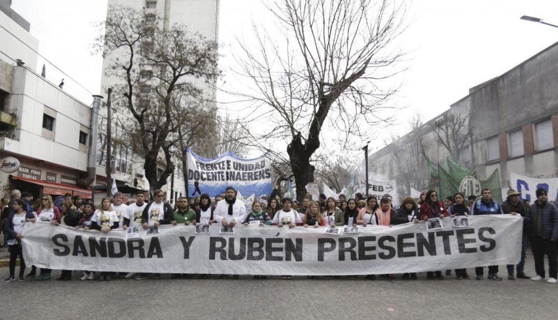Docentes bonaerense marcharon para reclamar mejoras salariales y de infraestructura