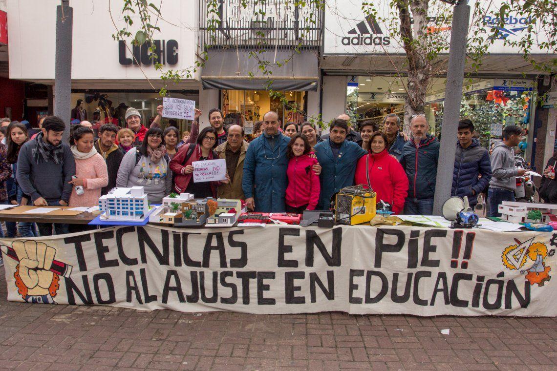 Jornada en defensa de las escuelas técnicas de Berazategui