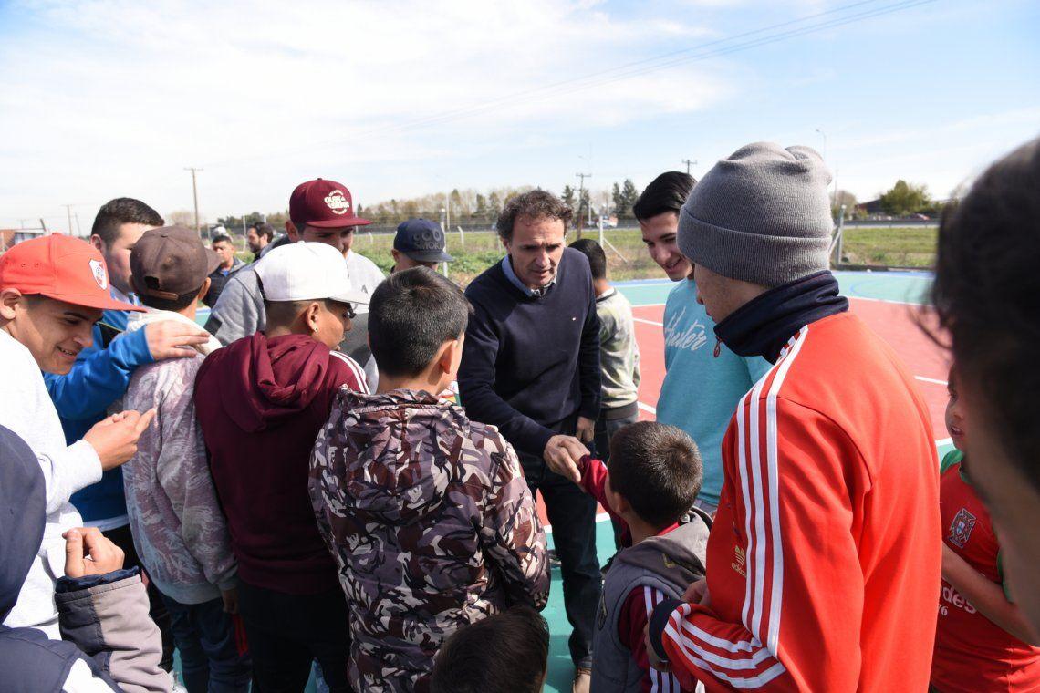 Nuevo playón polideportivo en el Parque Escuela Carlos Mugica