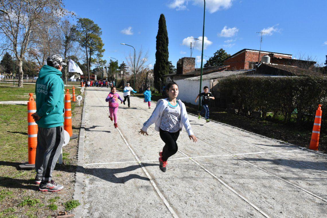 Nueva pista de atletismo en el Polideportivo La Torcaza