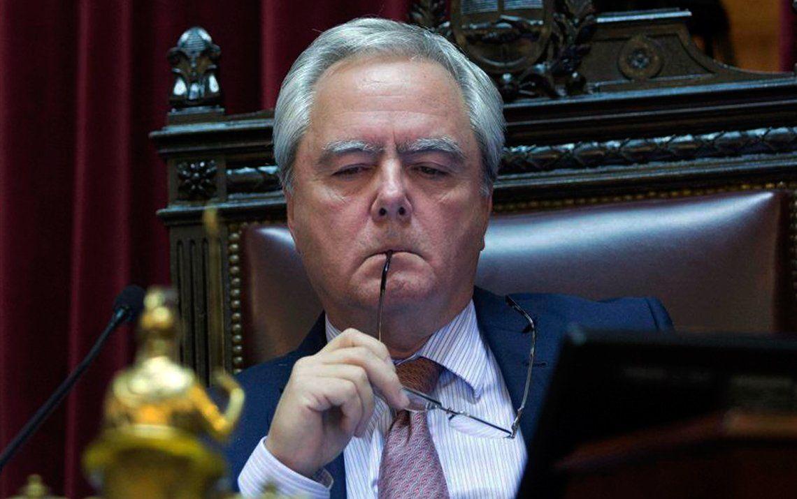 Pinedo culpa al peronismo por la caída de la sesión