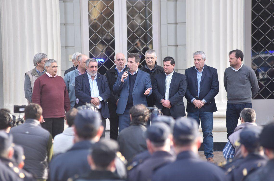 Ritondo entregó móviles nuevos para fortalecer la seguridad en el interior de la Provincia de Buenos Aires
