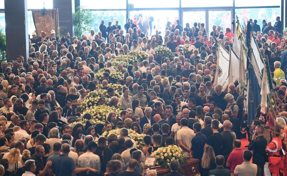 Génova: ceremonia sobria y solemne a las víctimas